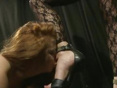 Sizzling Katy Borman has Alice Brass hat suck her toes