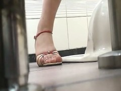 Hairy comprehensive voyeur piss flick