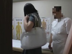 Kinky masseur going finger in Asian cunt on spy sheet