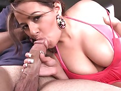 Heavy chested Penelope Piper sucks cock in the car